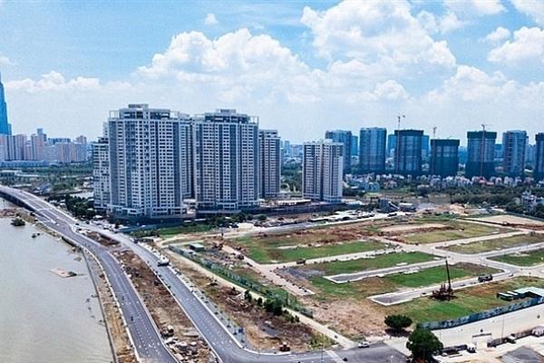 """Thị trường địa ốc Tp.HCM khan hiếm nguồn cung, người mua nhà """"ngóng"""" dự án mới"""